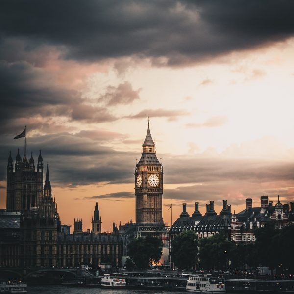 Save up to 61% Traveling London